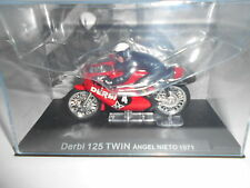 MOTO BIKE DERBI 125 TWIN ANGEL NIETO 1971 + PILOTO ALTAYA IXO 1/24