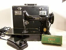 VINTAGE 1952, SINGER FEATHERWEIGHT SEWING MACHINE, MODEL 221, with CASE