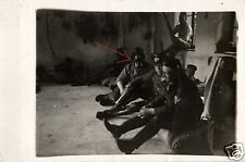 8333/ Originalfoto 9x13cm, Soldat Reichswehr mit Gasmaske aufgesetzt