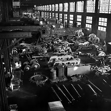 Photo The Chicago and Northwestern Railroad locomotive repair shop  1942