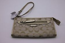 NWT COACH F49437 Outline Signature zippy wallet wristlets in Light Khaki Metalic