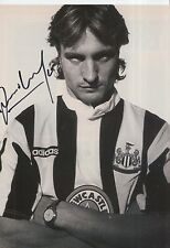 DAVID GINOLA HAND SIGNED NEWCASTLE UNITED MAGAZINE PHOTO.