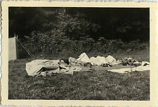 PHOTO ANCIENNE - VINTAGE SNAPSHOT - SCOUTISME CAMPEMENT SOMMEIL RÉVEIL SCOUT