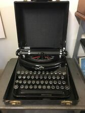 VINTAGE 1937 UNDERWOOD NOISELESS PORTABLE TYPEWRITER WITH CASE
