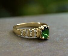 Classic Elegant Faux EMERALD and 16 CZ Solitaire RING size 6 10k Gold