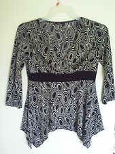 Cocomo Women's Crossover Oval Shapes  Prints Knit Top Blouse Sz M