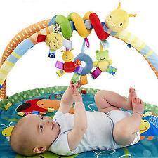 Lamaze Waldi der Waschbär 24cm Motorik Baby Spielzeug mit Quietsche Rylie Racoon