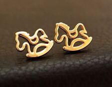 Cute Little Rocking Horse delicado pendientes, orejas perforadas, Mariposa posterior De Regalo