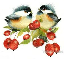 Heritage Valerie Pfeiffer Counted Cross Stitch Chart ~ BERRY CHICK CHAT #775
