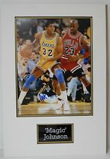 Magic johnson signé 14X11 photo monté affichage los angeles lakers l'association aftal coa