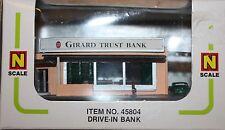 N-Scale  Girard Trust Drive-In Bank Bachmann 45804  -  NIB