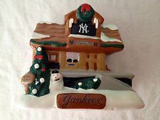 NY NEW YORK YANKEES TEAM TRAIN STATION RAILWAY HOLIDAY VILLAGE CHRISTMAS HOUSE