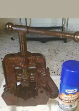 Vintage Reed MFg Co No 1 Pipe Vise Clamp Jaw Erie PA Grips to 2 1/2 Bends to 3/4