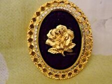 VINTAGE SIGNED BLACK GLASS PERFECT GOLD ROSE RHINESTONE FLOWER BROOCH  PENDANT