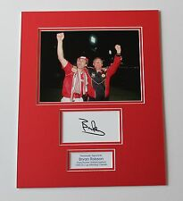 Bryan Robson Manchester United 1990 FA Cup HAND SIGNED Photo Mount + COA