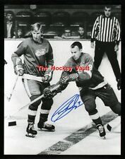 HOFer #9 Gordie HOWE Passes Garry UNGER Signed DETROIT Red WINGS Custom LAB 8X10