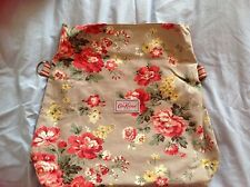 Cath Kidston Winter Rose Reversible Folded Messenger Bag (Oat)