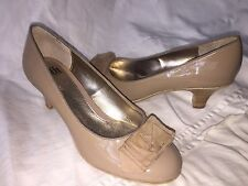 SOFFT SZ 9 M LEATHER UPPER NUDE CUSHION HEELS PUMP