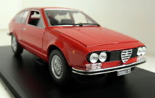 Atlas 1/24 Scale Alfa Romeo Alfetta GT 1.8 1974 + Display Case Diecast model car