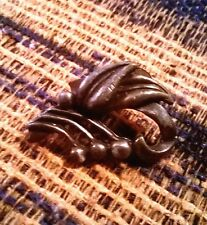 VINTAGE LEAF SWIRL POT METAL CAPE OR SCARF CLIP