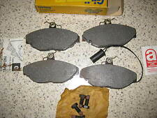 NEW FRONT BRAKE PADS - FITS: MG AUSTIN MAESTRO & MONTEGO & RELIANT SCIMITAR SS1