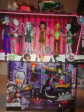 MONSTER HIGH LOT- STUDENT DISEMBODY COUNCIL SET & WHEELIN WERECATS SET, UNOPENED
