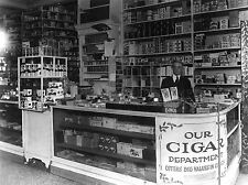 PHOTOGRAPHY BLACK WHITE INTERIOR DRUG STORE WASHINGTON CIGAR CANDY LV3626