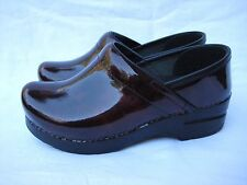 Women's DANSKO Professional Marbled red patent leather clog shoes 36 (6 US)