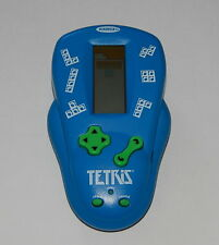 2000 RADICA TETRIS HANDHELD GAME IN GOOD USED WORKING CONDITION  R11441