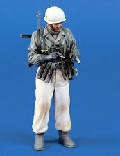 Verlinden 120mm 1/16 Fallschirmjäger German Paratrooper with Flare Gun WWII 470