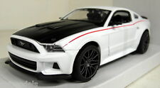 Maisto 1/24 Scale 31506 2014 Ford Mustang Street Racer White Diecast model car