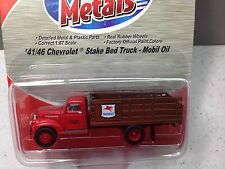 HO 1/87 Classic Metal Works # 30339 '41/46 Chevy Stake Bed Truck - Mobil Oil