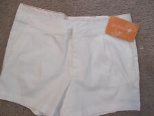 NWT - DOCKERS ladies White shorts - sz 6P -  MSRP $44.00