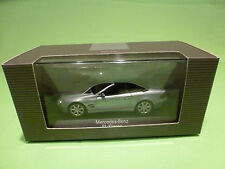 MINICHAMPS MERCEDES BENZ SL CLASS - SILVER GREY METALLIC  1:43 - NMIB