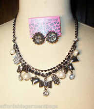 Betsey Johnson Black Gun metal Bows Pearls Rhinestone Charm Necklace Bow earring