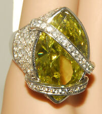 BLING BLING - Fashion Designer RING - Green - Large GEM sz 5 1/2 - 6 *NEW TAGS!