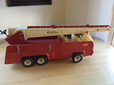 Vintage Tonka Fire Truck Firetruck 32202 Pressed Steel w/ Fire Extinguishers