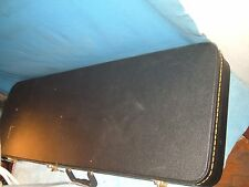 FENDER ELECTRIC GUITAR Cased and kept nice played well