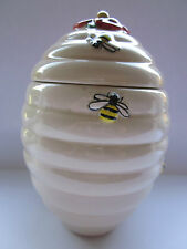 COLLECTIBLE 1920S CREAM CERAMIC HONEY POT & COVER HONEY BEE & FLOWER DECORATION
