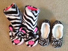 GIRLS JUSTICE / SNOOZIES 2 PAIRS SLIPPERS SIZE MEDIUM 4 / 5 ZEBRA / SILVER BLACK