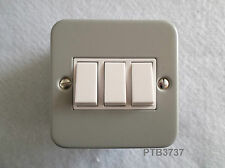 METAL CLAD 10 AMP 3 GANG 2 WAY SWITCH WITH BOX ALSO USED AS 1 WAY IN GREY