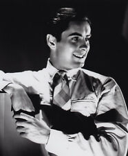 Tyrone Power UNSIGNED photo - D1657 - HANDSOME!!!!