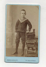 CDV - PHOTO Portrait Enfant Garçon Chaise - HERMANN - PARIS - Vers 1900 Marin