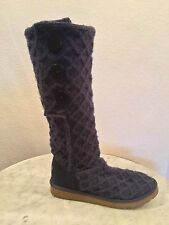 """UGG Australia SN 3066 """"Cardy"""" Classic Purple Knit Boots, Button Accents Sz 10 M"""