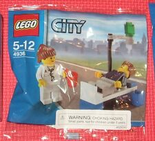 LEGO CITY 4936 DOCTOR Patient mini figure poly bag RARE