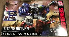 Transformers Hasbro Fortress Maximus Titans Return with SDCC head