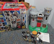 1994 Fisher Price 7110 Great Adventures Castle Toy  10 Figures & 2 Cannon Balls