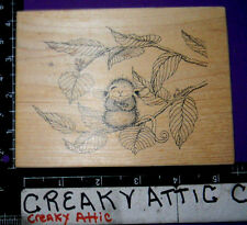 HOUSE MOUSE SITTING ON A BRANCH RUBBER STAMP STAMPA ROSA 78 ONE EYE OPEN