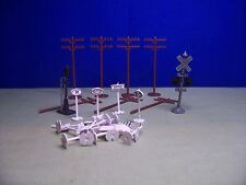 Bachmann HO * 28 Pieces * Telephone Poles, Street Signs, Yard Signs * Good Cond