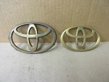 TOYOTA EMBLEM ORNAMENT GROUP OF 2 PIECES GOLD